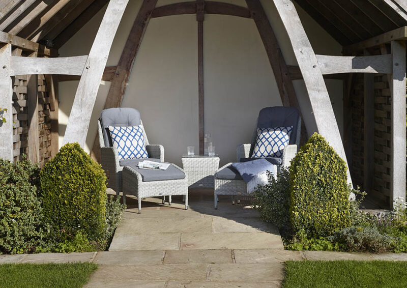 Tetbury Cloud Recliner Set with Eco Cushions & 2 Footstools & Coffee Table with Glass Top
